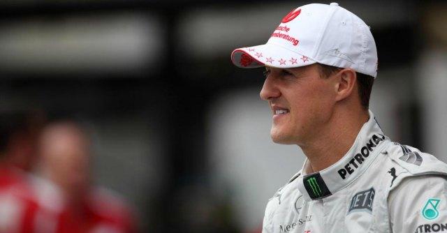 """Michael Schumacher testimonial dell'acqua minerale. I fans: """"Sciacallaggio"""""""
