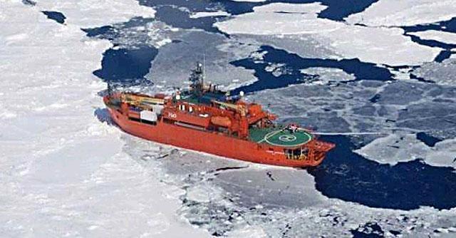 Antartide, portati in salvo i 52 passeggeri della nave bloccata tra i ghiacci
