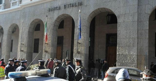 L'Aquila, leader commercianti minaccia di darsi fuoco in Bankitalia. Poi rinuncia
