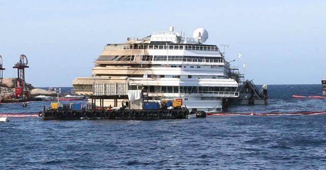 Demolizione Concordia: è gara tra porti italiani, ma Costa punta sull'opzione turca