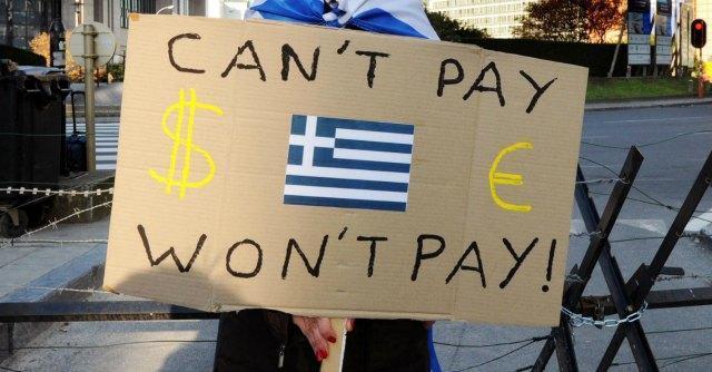Austerity, l'eccesso di tasse strozza i contribuenti greci e non porta soldi al fisco