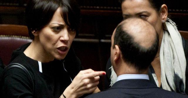 """Dimissioni De Girolamo, Alfano: """"Governo indebolito. Ho cercato di trattenerla"""""""