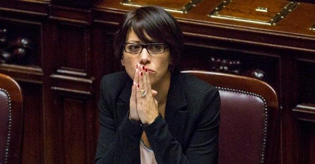 """De Girolamo vicepresidente Giunta autorizzazioni. M5S: """"Ma è indagata"""""""