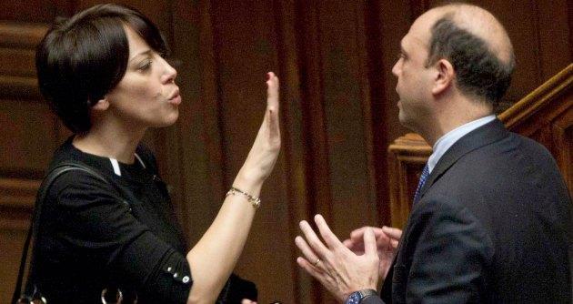 """De Girolamo, dal Pd la richiesta di chiarire in Parlamento. Lei: """"Pronta a difendermi"""""""