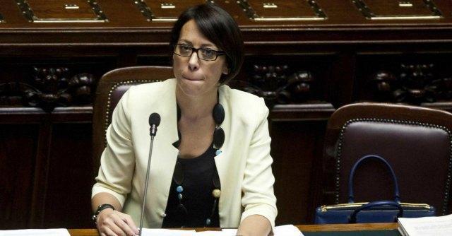 """De Girolamo, depositate le conversazioni registrate. Il ministro: """"Azioni legali"""""""