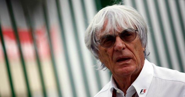 F1, Ecclestone sarà processato per corruzione. E si dimette dal board