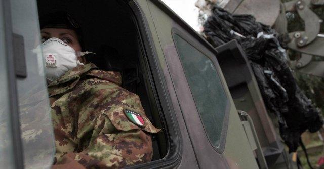 Terra dei fuochi, il governo pronto a mandare l'esercito contro le ecomafie