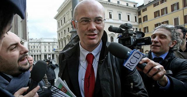 """M5s, lettera a Napolitano: """"Violazioni in iter Finanziaria, ci ascolti: lei è garante"""""""