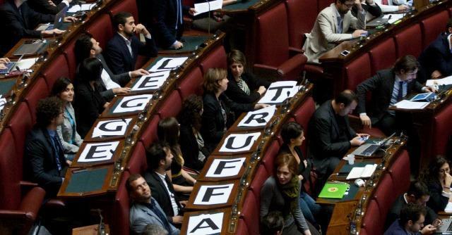 """Redditi dei politici, M5s propone il """"Politometro"""". Ma i partiti lo bocciano"""