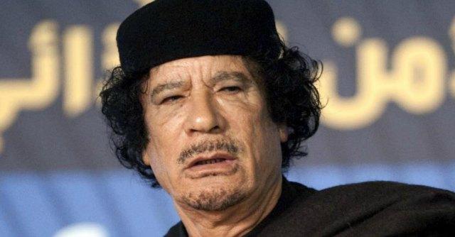 """""""Gheddafi stuprava minorenni. Nelle 'stanze segrete' jacuzzi, film porno e aborti"""""""