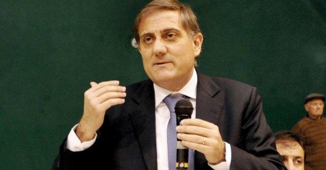 Sicilia, il parlamento più costoso d'Europa: solo in caffetteria se ne vanno 800mila euro