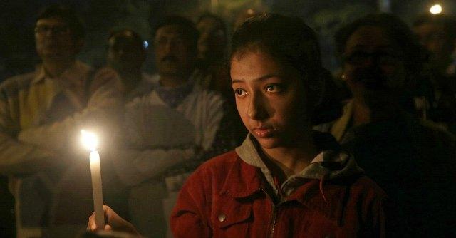 """India, """"12enne la ragazza stuprata e arsa viva. Era incinta di uno degli aguzzini"""""""