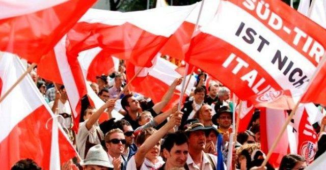 """Sud Tirolo, referendum su """"secessione"""" dall'Italia: """"92% vuole unirsi all'Austria"""""""