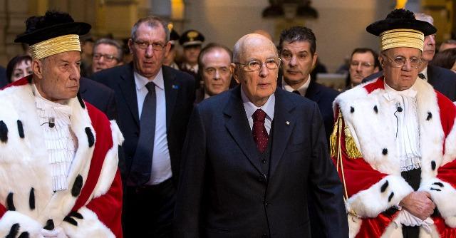"""M5S, tutte le accuse a Napolitano. Lui: """"Provvedimento faccia il suo corso"""""""