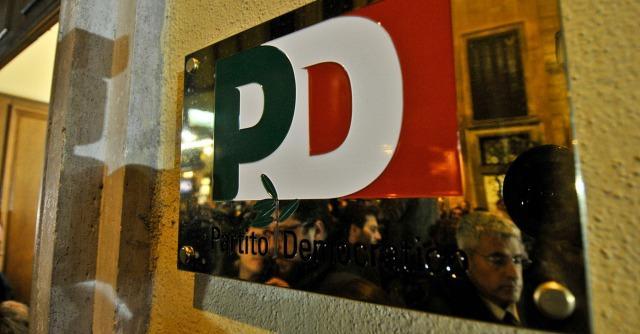 """Legge elettorale, accordo tra Renzi e B. Ma la sinistra Pd insiste: """"Nulla è deciso"""""""
