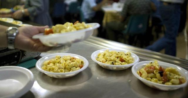 Germania, raddoppia il numero di chi mangia grazie alle mense per i poveri