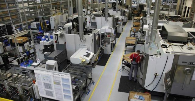 Istat, la produzione industriale torna a salire. In aprile +0,7% rispetto a marzo