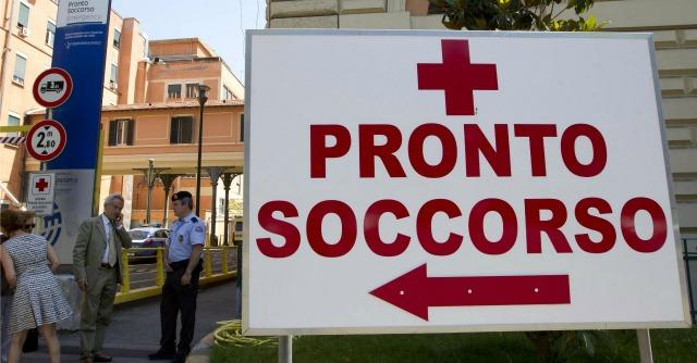 """Lazio, blitz M5S nei pronto soccorso: """"Anziani costretti a dormire in corridoio"""""""