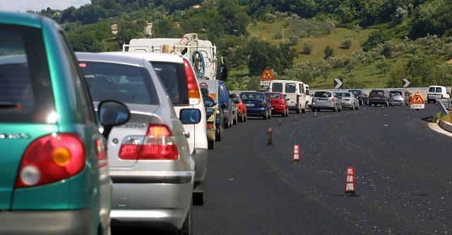 Tagliandi Rc Auto contraffatti a Napoli e Caserta: ecco l'ultimo business dei Casalesi