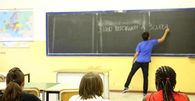 """""""La scuola che vorrei"""", il ministro lancia il sondaggio. Dite la vostra al Fatto.it"""