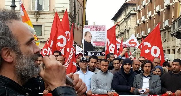 """Milano, pestato sindacalista: """"Se continuano gli scioperi fai una brutta fine"""""""