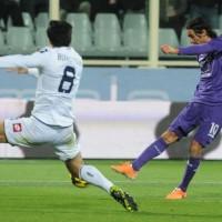 Pari pirotecnico (3 a 3) tra Fiorentina e Genoa. Tripletta per Aquilani