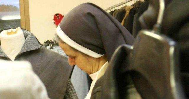 """Suora partorisce: """"Può lasciare l'ospedale"""". Vescovo: """"Addio a vita religiosa"""""""