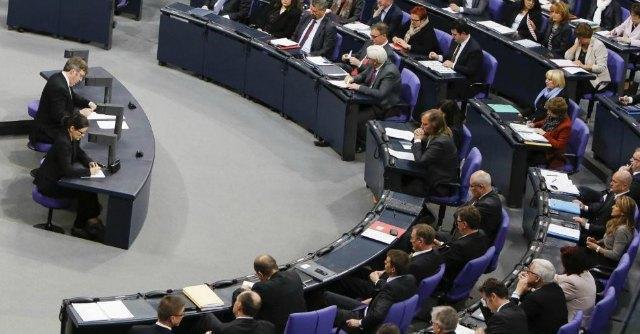 """""""Banche, separare trading e risparmio"""": ma la proposta Ue rischia di sfumare"""