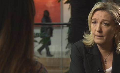 """Servizio Pubblico, Marine Le Pen: """"Grillo ci è ostile"""""""