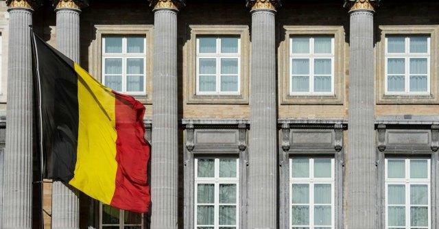 Eutanasia, il Belgio approva la legge che la estende ai minori