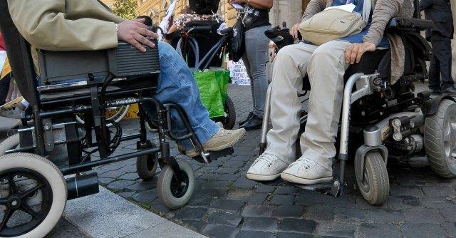 Viaggi, l'Italia non rispetta le norme Ue per i diritti dei passeggeri disabili