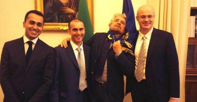 """Governo, Beppe Grillo attacca Renzi: """"Sei una persona non credibile"""""""