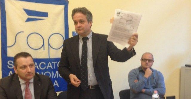 "Aldrovandi, agenti condannati tornano a Ferrara per #vialamenzogna. ""Innnocenti"""