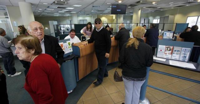 Banche, nell'ultimo anno credito a famiglie e imprese giù di 2,5 miliardi al mese