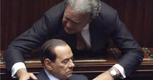 Governo Renzi, l'abbraccio di Verdini e Forza Italia per blindare l'esecutivo