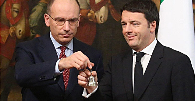 Governo Renzi, la diretta: gelido passaggio di consegne con Enrico Letta