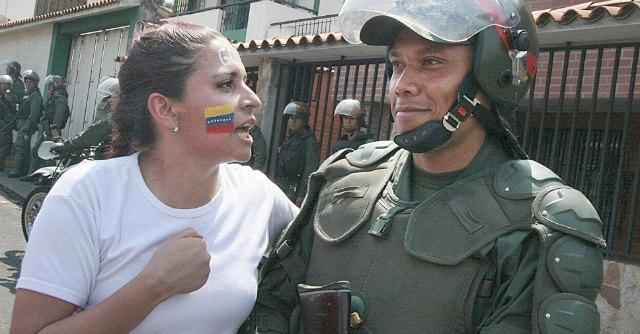 """Venezuela, proteste contro Maduro. """"Paese in crisi, diritti umani a rischio"""""""