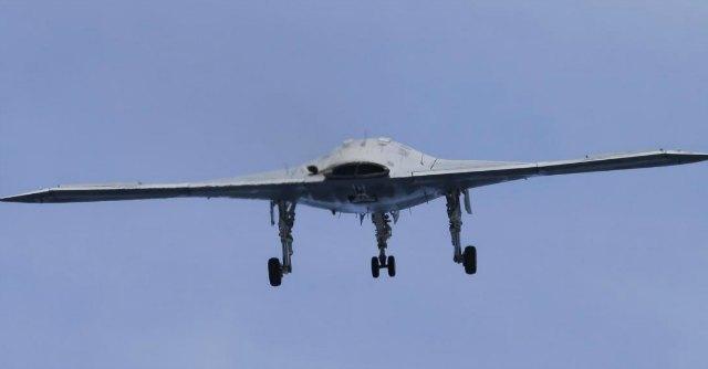 """Usa, drone insegue terrorista di Al Qaeda. Ma ucciderlo sarebbe """"illegale"""""""