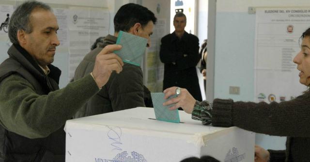 Elezioni Sardegna 2014, l'affluenza crolla al 52%. Al via lo scrutinio