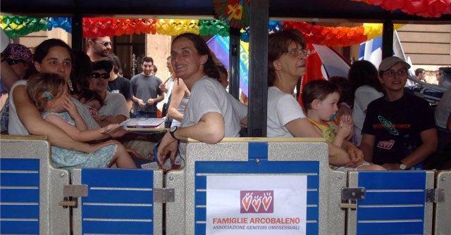 Venezia, negli asili fiabe su famiglie arcobaleno. Critiche dall'Udc