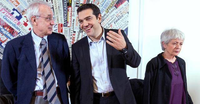 """Tsipras contro Renzi: """"Ha le ricette della Merkel. Grillo? Non si può dire solo no"""""""