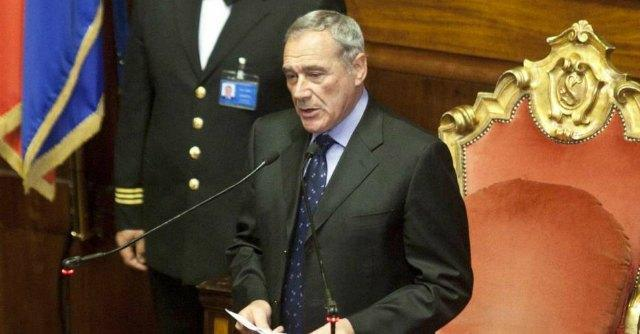 Voto di scambio, Senato approva riforma. Bagarre in Aula: espulsi 2 senatori M5S