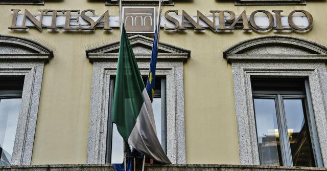 """Intesa Sanpaolo, l'ad: """"Per noi ruolo importante in privatizzazione Poste"""""""