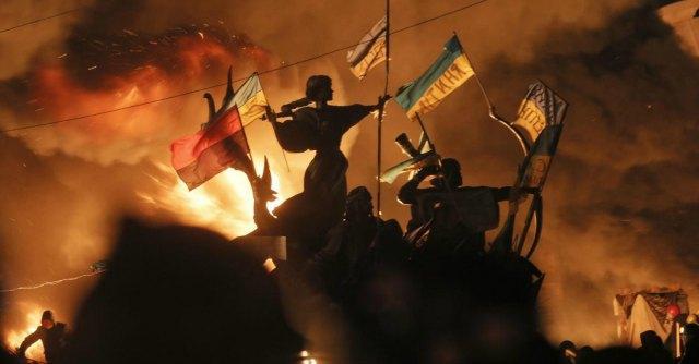 Ucraina, a Kiev '26 morti e 241 feriti'. Yanukovich: 'Ora tregua, bagno di sangue'
