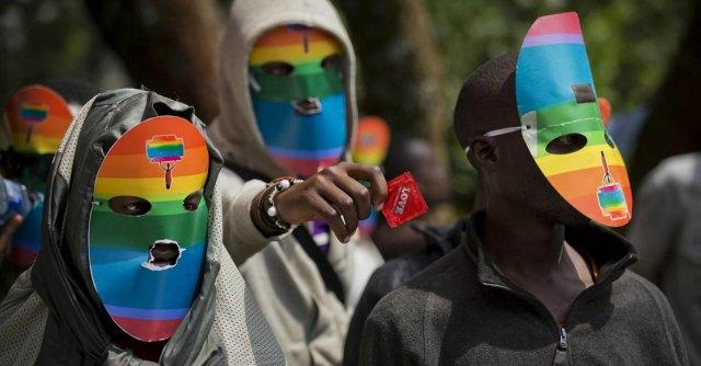"Uganda, presidente firma legge anti-gay: ergastolo per ""omosessuali recidivi"""
