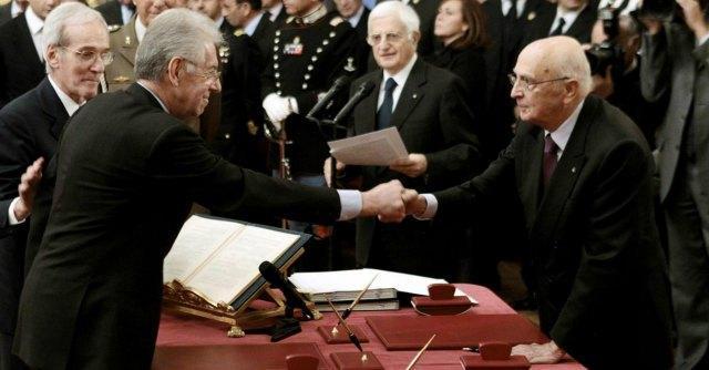 """Napolitano """"voleva Monti al governo dal giugno 2011"""". Il Colle: """"Vero, ma è fumo"""""""