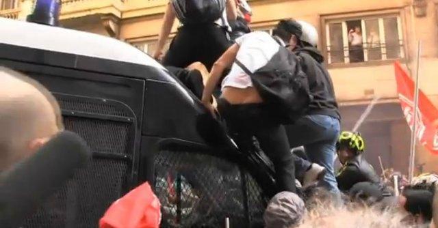 Movimenti per la casa, arrestati 17 attivisti per gli scontri del 31 ottobre a Roma