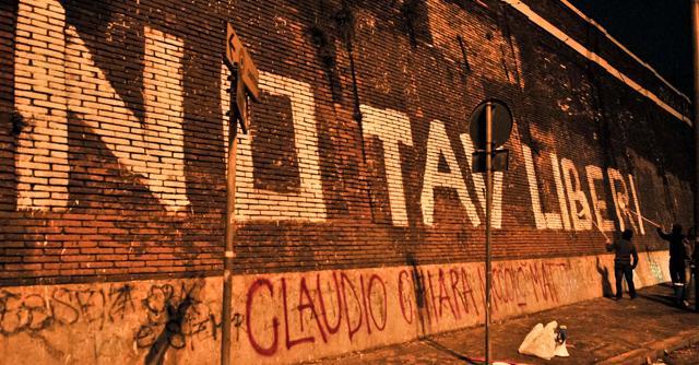 """Torino, """"lotta armata contro il Tav"""". I Noa """"condannano a morte"""" quattro persone"""