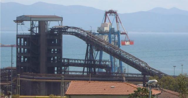 Crisi Lucchini di Piombino, il consiglio di fabbrica occupa la direzione dell'impianto
