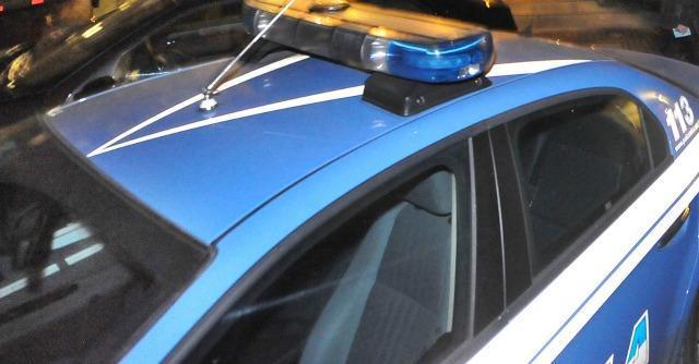 Torino, sparatoria con la polizia dopo la rapina: un morto e due fermati